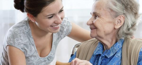 LETENKA ZDARMA – u programu péče o starší Velká Británie!