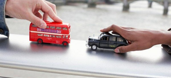 Chystáte se v létě do Velké Británie a bojíte se, že se ztratíte při přestupování v Londýně?