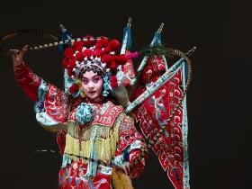 Chinese opera character (Mu Gui Ying) (2)