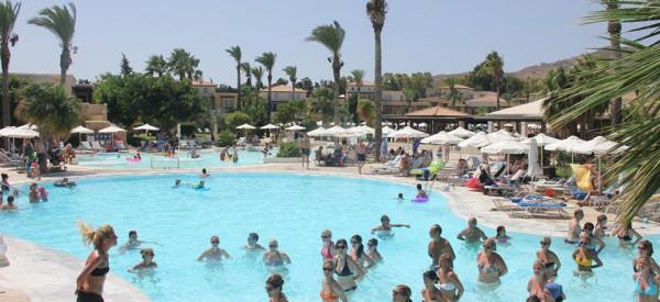 COOL Kypr – NOVINKA! Animátoři a hotelový personál
